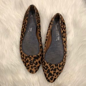 Good condition Dr Scholl's leopard flats size 8